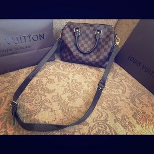 **AUTHENTIC WITH RECEIPT** LOUIS VUITTON SPEEDY 25
